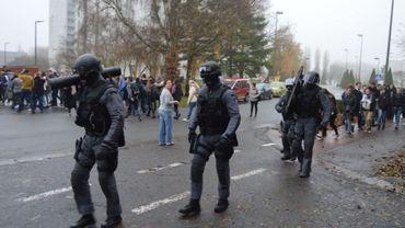 Les policiers de la Boraine s'apprêtent à intervenir