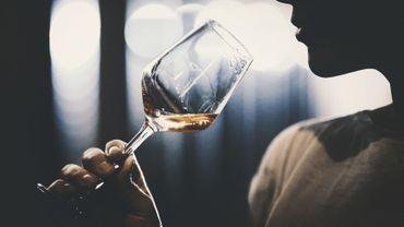 Consommation d'alcool : les femmes rattrapent les hommes