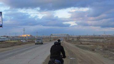 Du parc du cinquantenaire à Perth à vélo ou l'incroyable voyage d'Arnaud Maldague