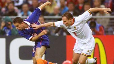 Marc Overmars et Bertrand Crasson lors du Mondial 1998