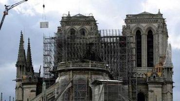 """Incendie à Notre-Dame de Paris - Plus de 1.000 experts appellent Macron à éviter la """"précipitation"""""""