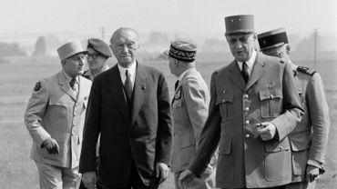 Charles de Gaulle aux côtés de Konrad Adenauer, chancelier ouest-allemand, en 1962