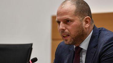Théo Francken mis en cause pour sa gestion des visas humanitaires