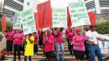 Des manifestants réunis à l'initiative du mouvement écologiste Extinction Rebellion à Pretoria, le 11 octobre 2019