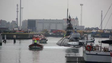 Après 20 ans de bons et loyaux services, le sous-marin russe Foxtrot quitte Zeebruges