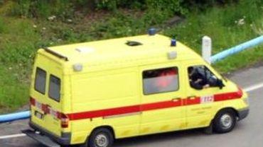 Le jeudi 12 avril, les secours ont été requis dans une habitation de Chimay pour une fillette de 7 ans retrouvée inanimée dans son lit (illustration).