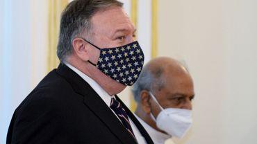 """Tensions USA-Chine: Pompeo accuse Pékin de comportement """"prédateur"""""""