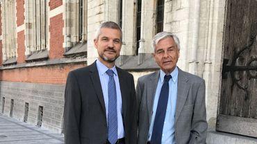 Marc Rézette (à gauche) est officiellement devenu ce lundi matin procureur du Roi du Brabant wallon, en lieu et place de Jean-Claude Elslander (à droite).