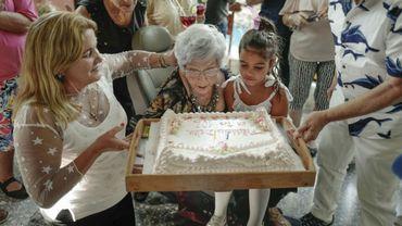 Cuba compte 2.070 centenaires pour 11,2 millions d'habitants et une espérance de vie de 79,5 ans.