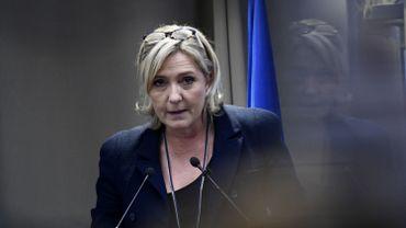 """L'annexion de la Crimée par la Russie """"pas illégale"""", selon Marine Le Pen"""