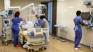 Ici dans un hôpital de Bobigny en région parisienne.