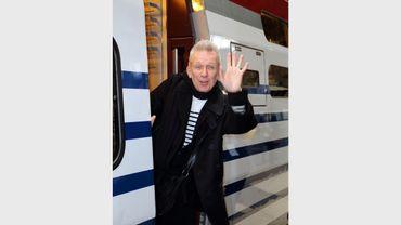 Jean Paul Gaultier devant les rayures marinières