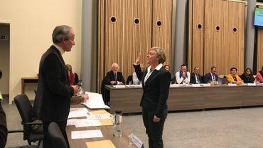 La nouvelle bourgmestre Julie Chantry a prêté serment avant de donner les grands axes de la nouvelle législature.