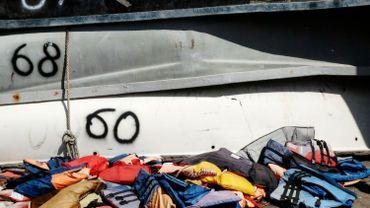 """Le naufrage d'un bateau de migrants au Sénégal fait """"au moins 140 morts"""""""