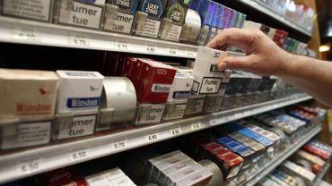 Les partis de la majorité rejettent le paquet de cigarettes neutre