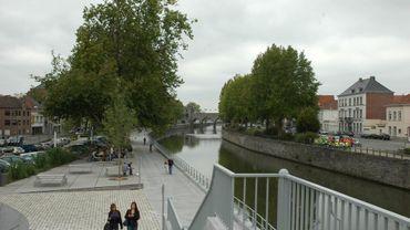 C'est à Tournai, le long des quais que l'accident a eu lieu (illustration).