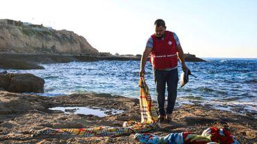 Asile et migration: quatre enfants migrants périssent au large de la Libye
