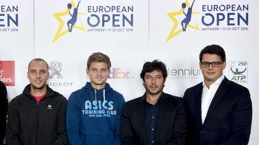 Steve Darcis, David Goffin, avec Sébastien Grosjean et Kristoff Puelinckx (co-organisateurs du tournoi d'Anvers)