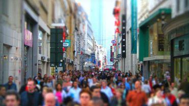 Avec 7393 habitants au km², la Région de Bruxelles-Capitale était la seconde région européenne la plus densément peuplée de l'Union européenne en 2014.