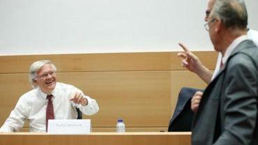Commission d'enquête Kazakhgate - De Clerck admet avoir proposé un rendez-vous à De Decker à sa demande