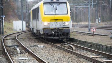 Viaduc Herrmann-Debroux fermé: parking ouvert à LLN et train supplémentaire