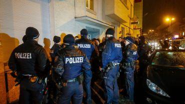 """Des """"centaines"""" d'enquêteurs vont continuer à travailler sur ce dossier pendant les fêtes de fin d'année, a indiqué le chef de la police judiciaire allemande, Holger Münch."""