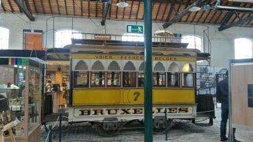 Voiture à impériale du premier tram hippomobile de Bruxelles.