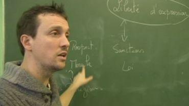 Bruno Derbaix en pleine explication sur la liberté d'expression