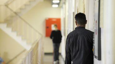 Fouilles à nu dans les prisons : réactions au rapport de la médiatrice fédérale