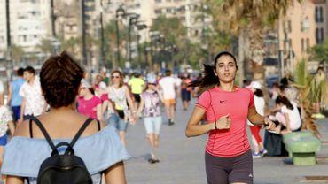 Nour Safieddine, 24 ans, court à Beyrouth le 13 juillet 2018 pour lutter contre la dépression. Cette jeune Libanaise a brisé un tabou en évoquant publiquement sa dépression dans un pays où le nombre de suicides a récemment augmenté