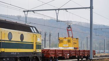 L'hiver sur le rail : une nouvelle technique pour éviter le givre sur la caténaire