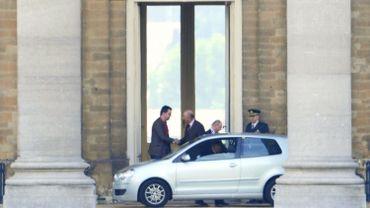 Pour se rendre chez le roi durant la période de formation du gouvernement, le président de Groen, Wouter Van Besien, avait utilisé une voiture de location.