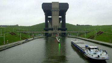 Transport fluvial: 500 millions d'euros pour doper le moyen de transport le plus écologique