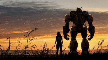 """Le film """"Bumblebee"""" de Travis Knight se dévoile dans une première bande-annonce."""