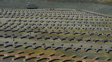 Pontons inoccupés en cale sèche du lac Folsom près de Sacramento en Californie, un lac de barrage quasi asséché le 17 septembre 2015