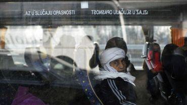 Des migrants à bord d'un bus en Serbie, le 12 février 2016.
