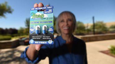 Kyle Johnson, 68 ans, vient de fonder un club de cannabis avec sa voisine Mary Lou Molinaro, 67 ans, dans leur lotissement pour retraités de Brentwood, au nord de San Francisco