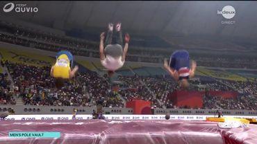 Le podium de la perche s'offre un salto collectif