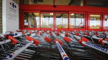 Carrefour a annoncé que les magasins fermeraient à l'heure habituelle ce mardi