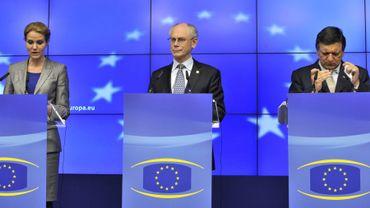 La Première ministre danoise, Helle Thorning-Schmidt, le président du Conseil européen, Herman Van Rompuy et le président de la Commission européenne, José Manuel Barroso lors d'une conférence de presse