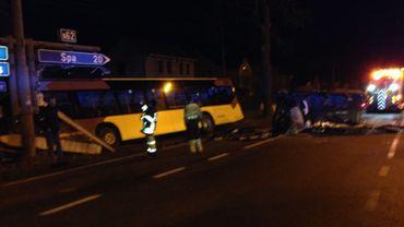 Un accident entre une voiture et un car fait 5 blessés légers.
