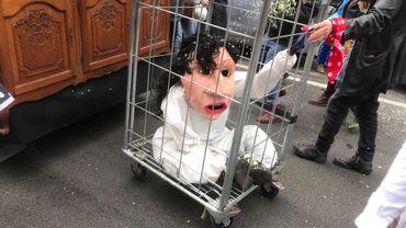 L'effigie de la ministre Marghem a été promenée dans les rues durant le cortège carnavalesque