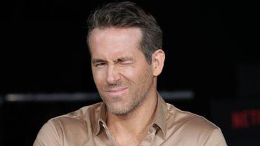 """Deadpool a 5 ans, Ryan Reynolds célèbre cet anniversaire en """"répondant"""" à une lettre de fan...à sa manière"""