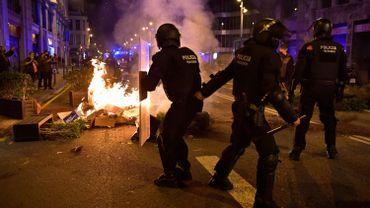 Coronavirus en Espagne: affrontements à Barcelone à la suite des restrictions de circulation