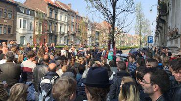 Les riverains rendent hommage à la victime de l'accident mortel dimanche à Koekelberg