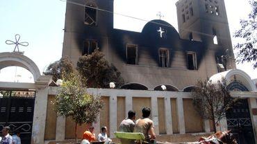La façade de l'église copte  Prince Tadros, après l'incendie qui l'a ravagée, mercredi