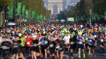Marathon de Paris: une française court en talons aiguilles et explose le record mondial