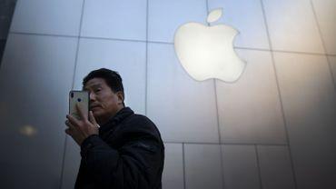 Chute d'Apple en Bourse: six questions à l'économiste Nicolas Van Zeebroeck