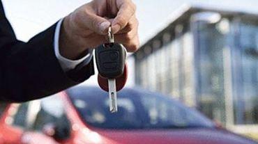 Les clés de voiture ont manifestement été retrouvées par une personne mal intentionnée, qui a emprunté le véhicule garé sur le parking du cinéma... et l'a purement et simplement déclassé (illustration).