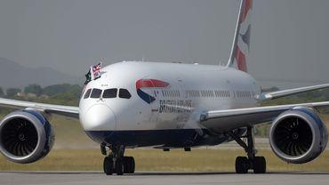 Les pilotes de British Airways (BA) sont en grève ce lundi, la toute première de leur histoire, en raison d'un conflit sur les salaires, une action qui va affecter des dizaines de milliers de voyageurs.